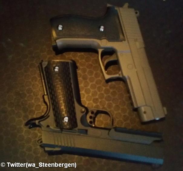 Politie rukt uit voor jongeren met nepwapens op kermis in Sint-Annaland