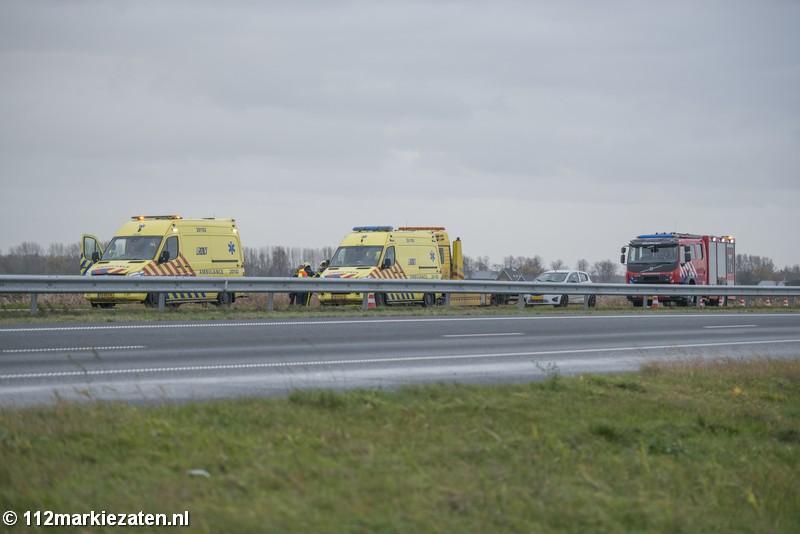 Gewonde bij aanrijding tussen twee voertuigen op A4 bij Dinteloord