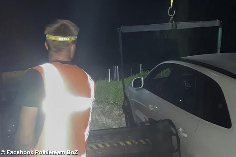 Dronken bestuurder ramt stroomkastje, buurt zonder stroom