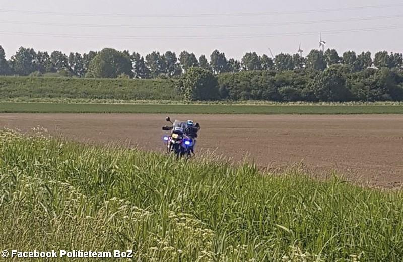 Tien verstekelingen aangehouden na achtervolging in polder Ossendrecht