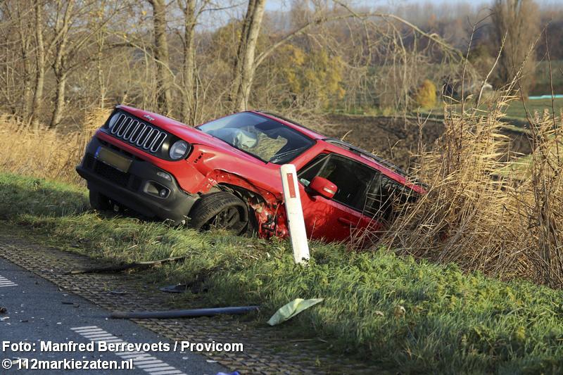 Gewonden bij ongeval op de Oud-Vossemeersedijk tussen Oud-Vossemeer en Tholen