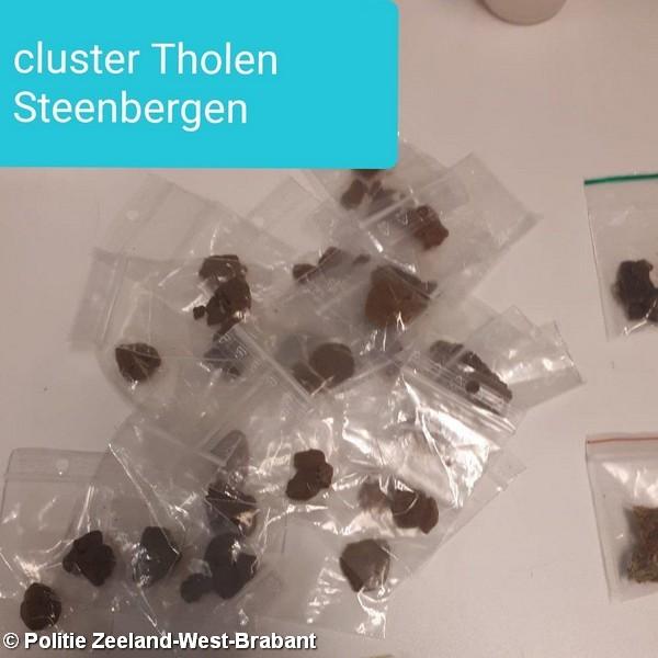 Jongeman aangehouden voor dealen en bezit van verdovende middelen in Steenbergen