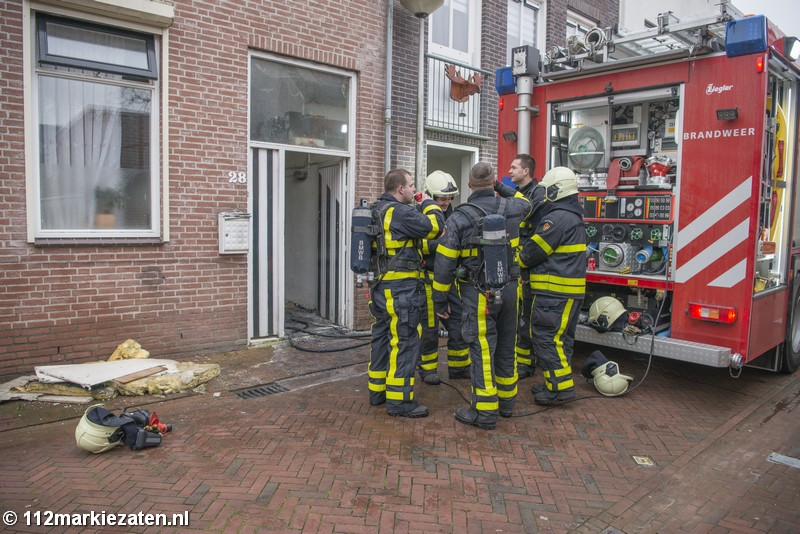 Wederom woningbrand in Steenbergen, brandweer schaalt op naar middelbrand