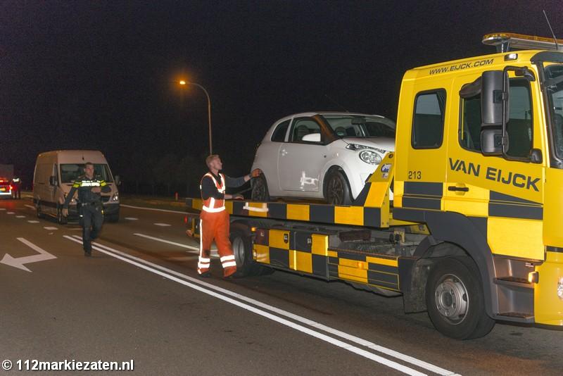 Verdachte situatie rondom bestelbus bij stoplichten Tholen, twee aanhoudingen