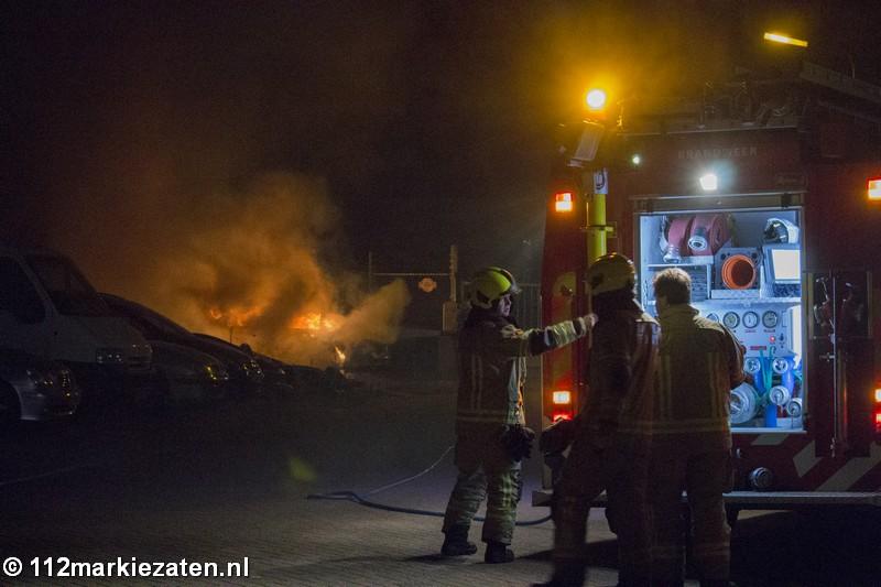 Brandweer rukt uit voor autobrand in Tholen