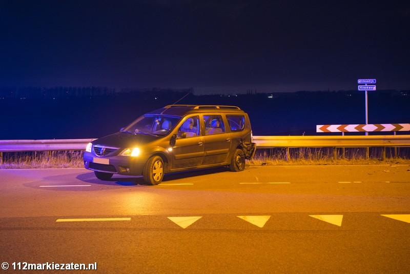 Veel schade bij aanrijding in Oud-Vossemeer