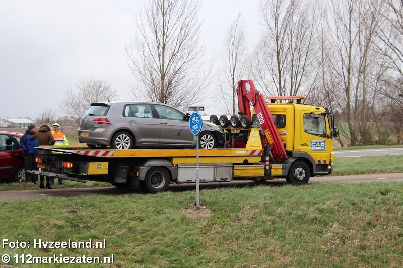 Bromfietser gewond na aanrijding met auto in Oud-Vossemeer