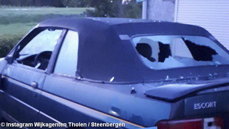 Auto vernield in Scherpenisse, twee verdachten gevlucht