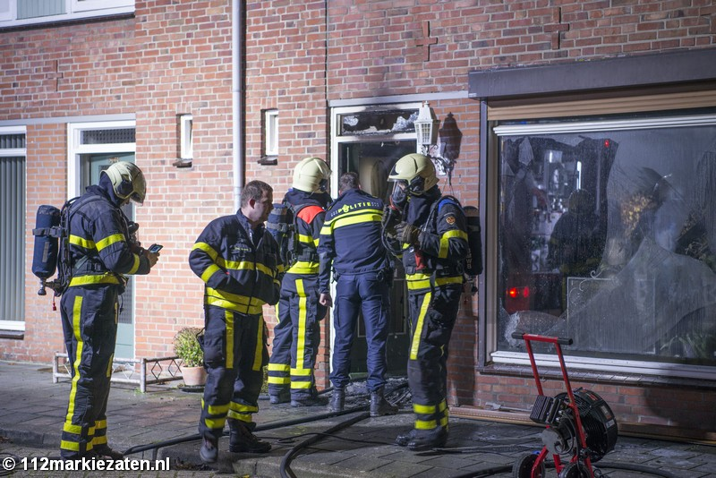 Gewonde bij fikse woningbrand in Steenbergen