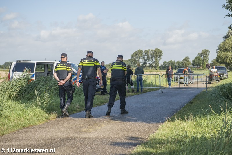 Dierenactivisten demonstreren op de dag voor het offerfeest bij slachthuis in Steenbergen