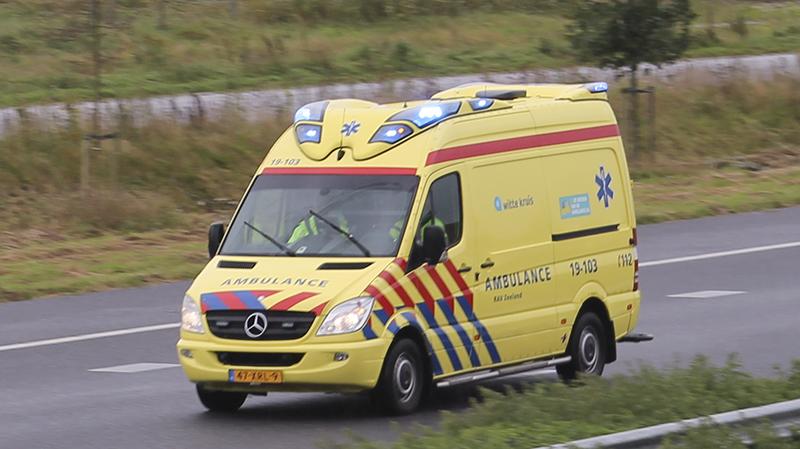 Fietsster gewond bij botsing met auto Tholen