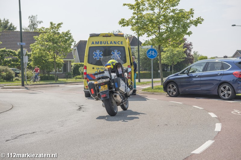 Aanrijding tussen auto en scooter op rotonde in Tholen