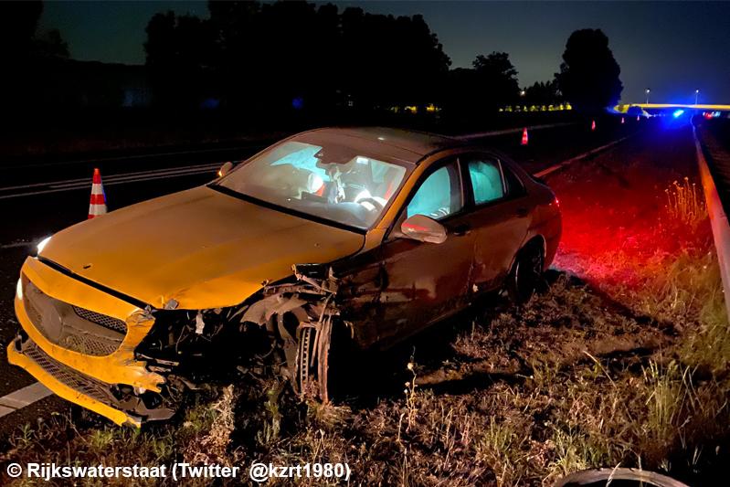 Flinke schade na ongeval op A4 bij Dinteloord