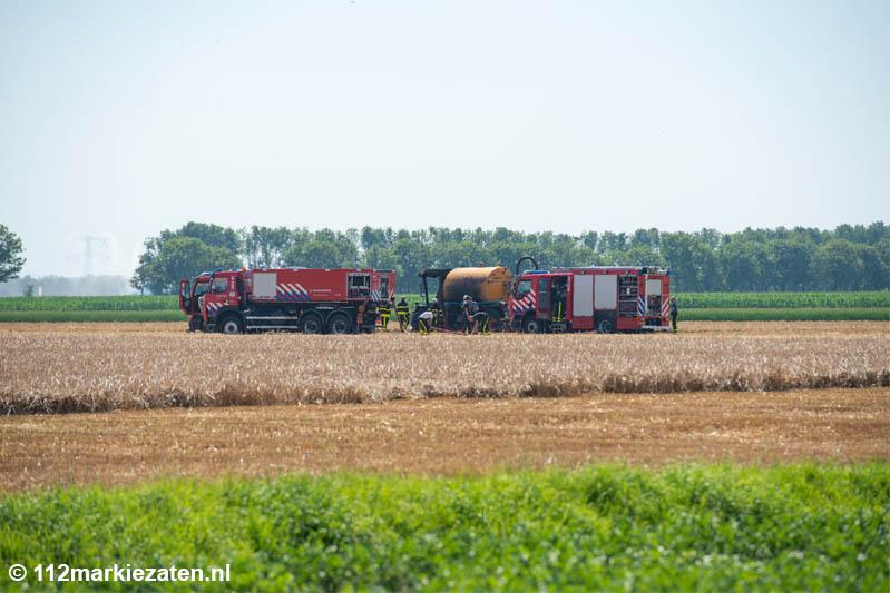 Brand in mestinjector bij Kruisland, fikse rookontwikkeling