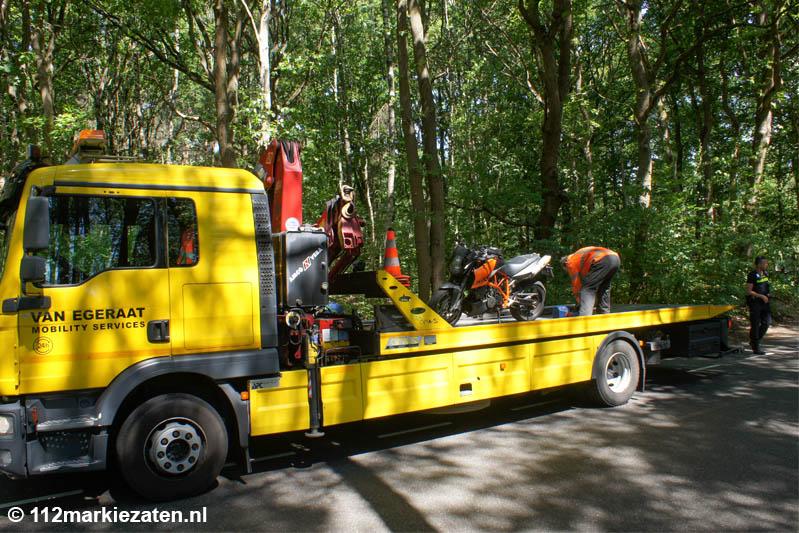 Motorrijder gewond na aanrijding  met tractor bij Ossendrecht