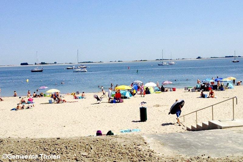 Gemeente Tholen: Kom niet naar de stranden in Sint-Annaland en Bergse Diepsluis