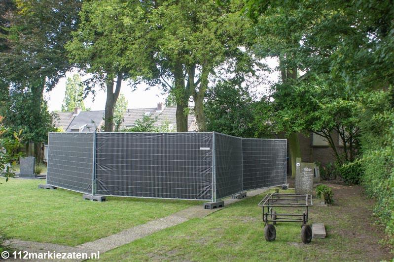 Recherche graaft stoffelijk overschot op, begraafplaats Halsteren tijdelijk dicht