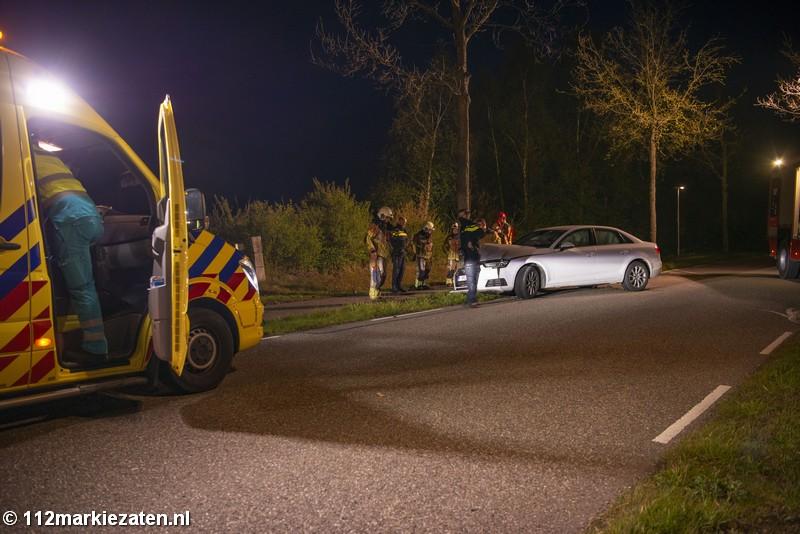 Auto eindigt tegen boom na ongeval op Huijbergseweg, bestuurder vermoedelijk onder invloed