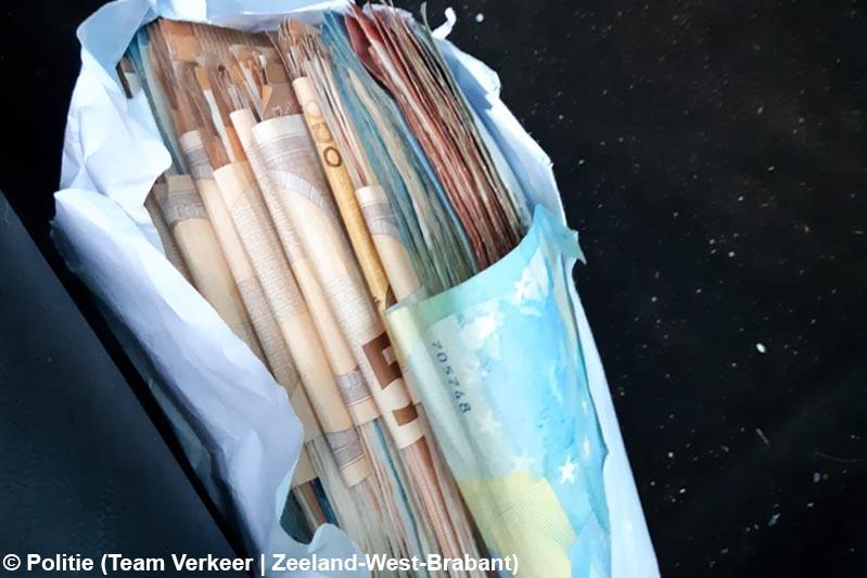 Agenten houden controle op de A4, twee aanhoudingen en €21.000,- aangetroffen