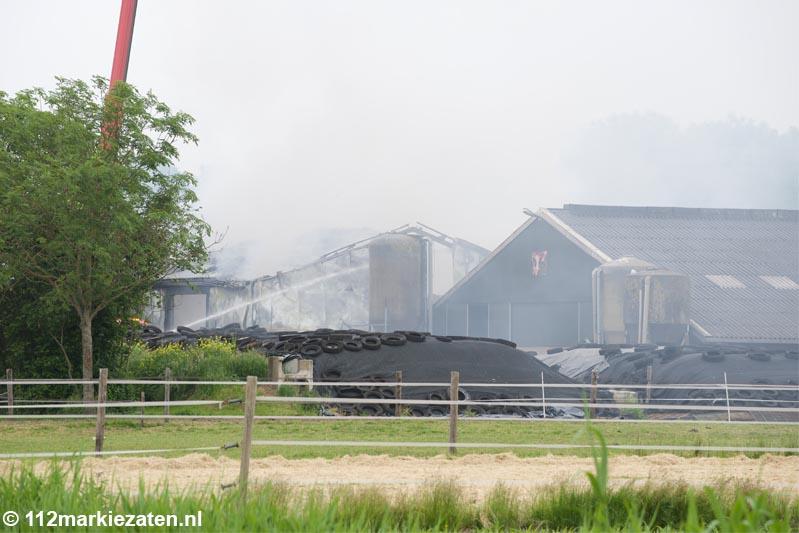 Grote uitslaande brand in landbouwschuur aan de  Weihoekweg