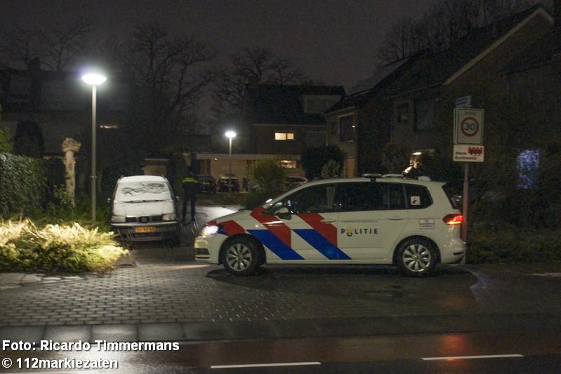 Politie doet onderzoek na aantreffen van explosief bij woning Roosendaal
